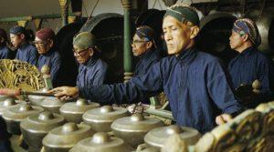 musicians performing on the gamelan Kancilbelik